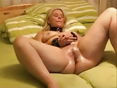 Super-steamy Mummy enjoys..