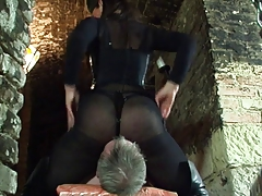 Hot Mistress facesits Her sub